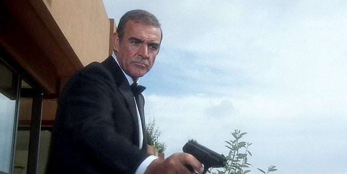Bond aims the Walther P5.
