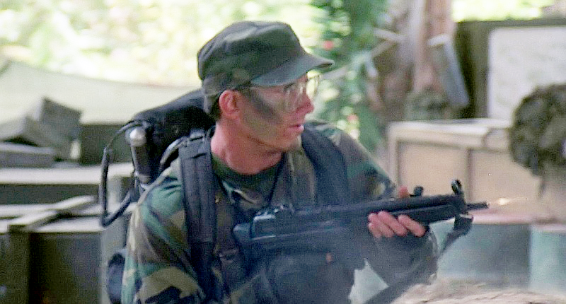 Hawkins (Shane Black) as the team's radio operator is lightly armed, only carrying an MP5A3 submachine gun.