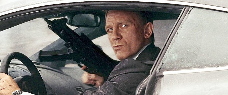 Bond uses an unsuppressed Heckler & Koch UMP-9 in this movie.