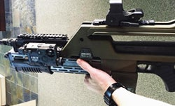 """Movie Guns: Director Posts Photo of New M41A Pulse Rifle from """"Alien"""" Sequel"""