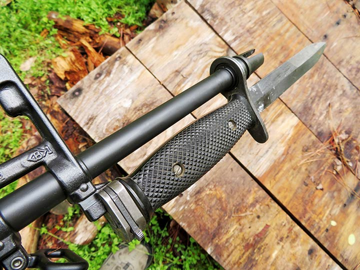 bayonet attached to the brownell retro ar