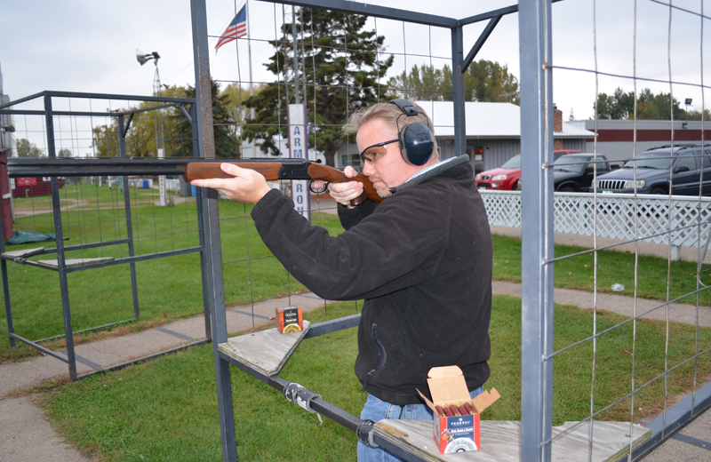 The author tested the Stevens 555 in 28-, 20-, and 12-gauge at a public range and wound up spending as much time shooting as he did answering questions from other shooters about who makes these attrac
