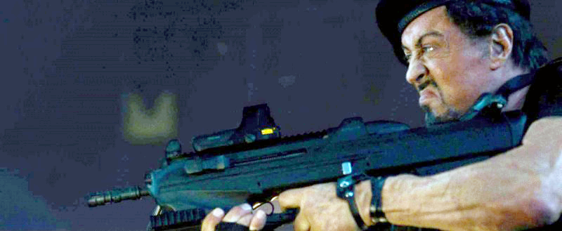 Ross uses an FN 2000 assault rifle in the beginning of the movie.