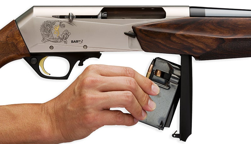 The BAR MK 3 uses a magazine that attaches to a floorplate instead of the detachable magazine on the DBM model.