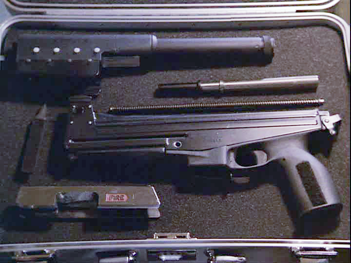 The Jatimatic disassembled in its case.