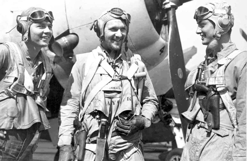 Shoulder holsters were well suited for pilots, for whom a hip holster would be cumbersome in tight cockpit.