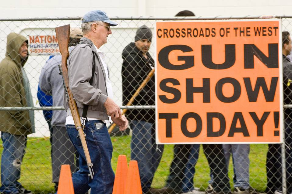 License Plates at Gun Shows Recorded by Feds, Police