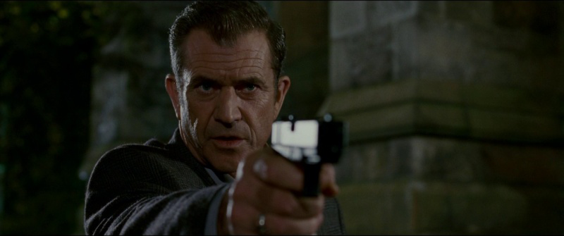 Gibson with a .40-caliber Glock 23 in *Edge of Darkness*.