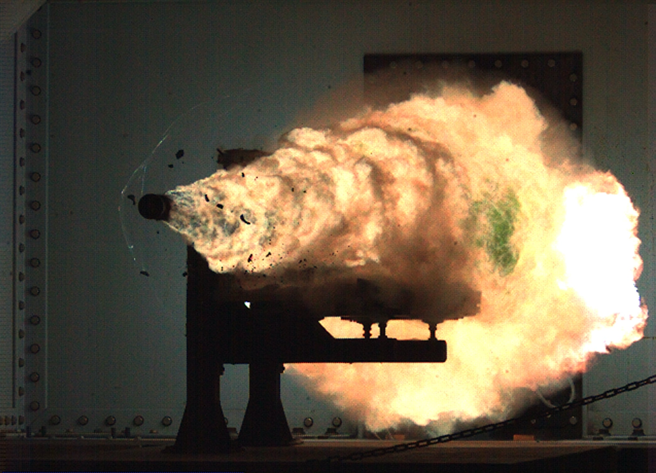 The Gun That Fires a 25-Pound Bullet