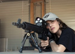 """""""American Sniper"""" Wife Takes on World Shooting Champ in Long-Range Match"""