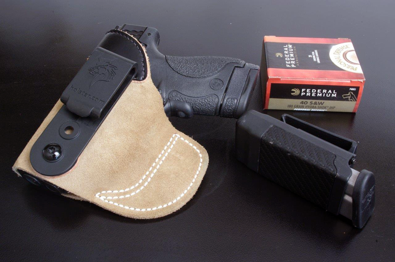 """Three Keys to Wearing a """"Tuckable"""" Holster"""