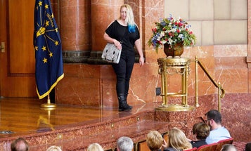 Make Ready: Concealed Carry Fashion Show and Purse Carry