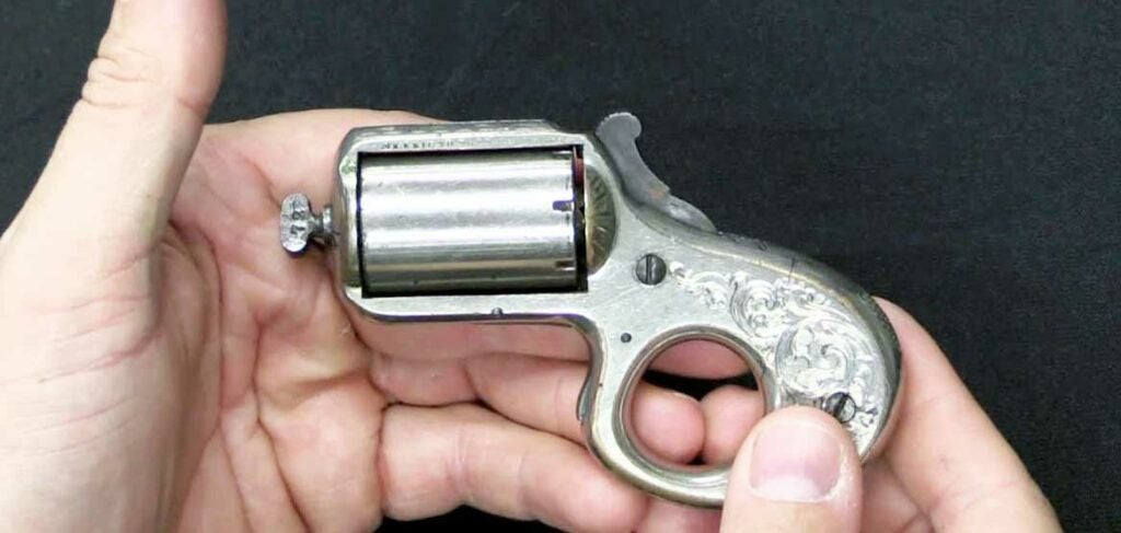 knuckleduster revolver