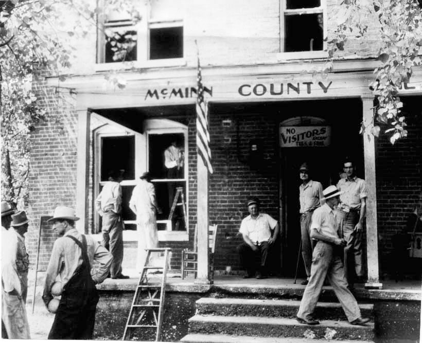 town residents replacing jail windows in athens tennessee