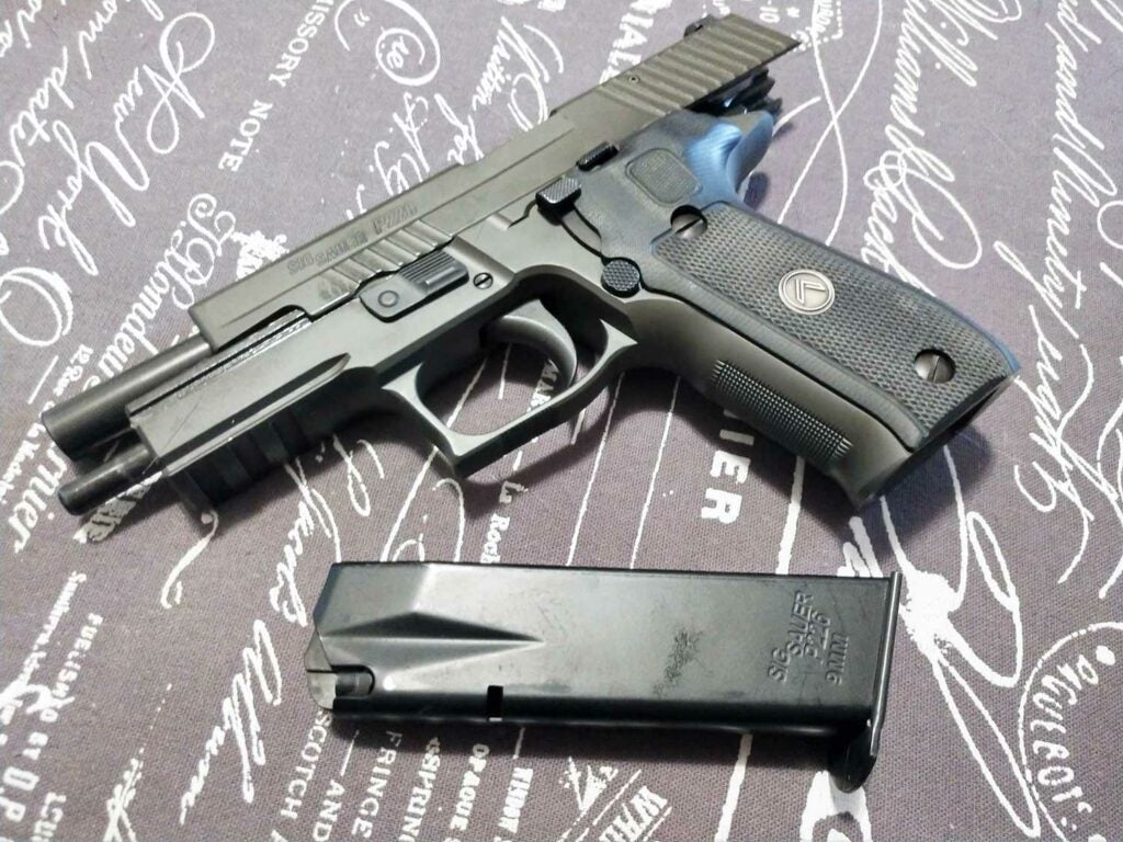 sig p226 legion gun and clip