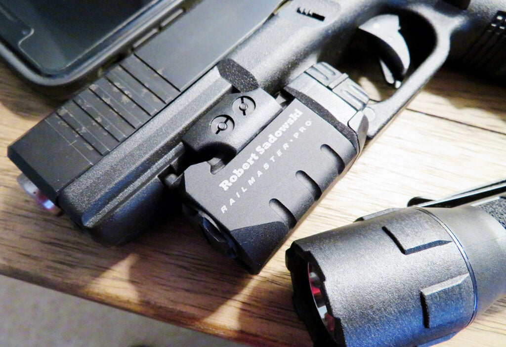 gun mounted flashlight